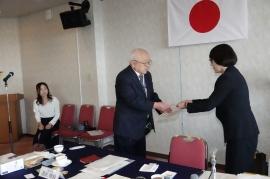 長野会長よりクラブ賞の贈呈