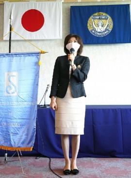 逢沢新会長の挨拶